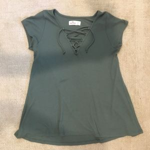 Hollister Crisscross T-Shirt - Olive Green - XS